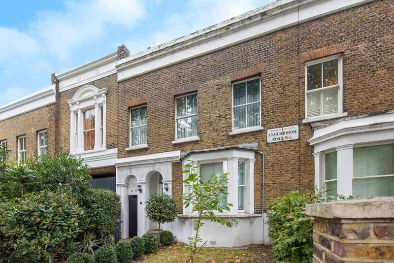 Studio Flat for sale in Stamford Brook Road, Ravenscourt Park, W6