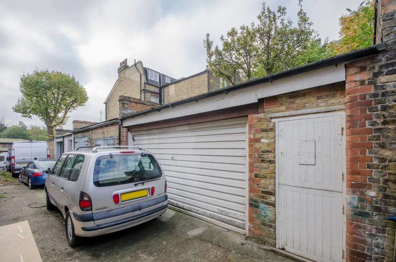 Garages Garage / Parking for sale in Knights Hill, West Norwood, SE27