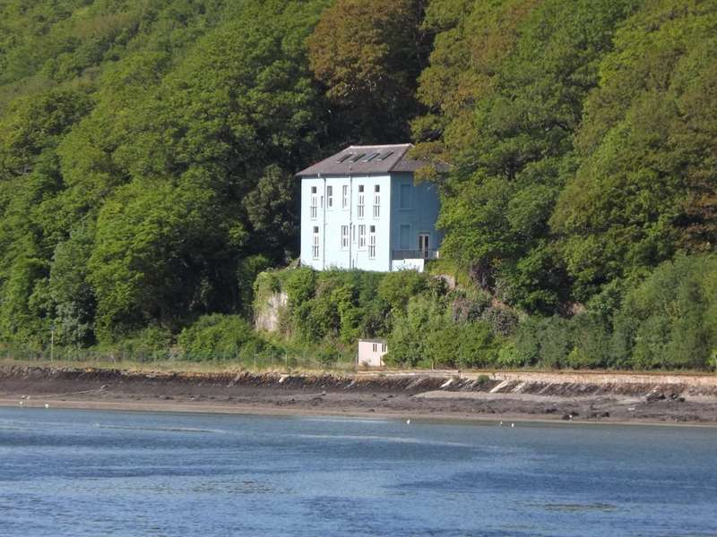 3 Bedrooms Maisonette Flat for sale in East Looe