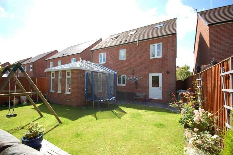 5 Bedrooms Detached House for sale in Douglas Avenue, Wesham