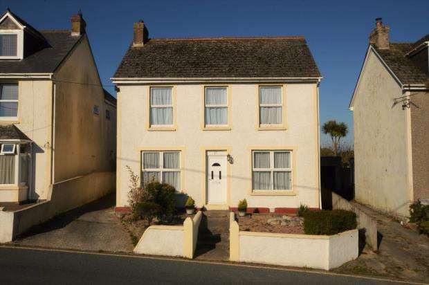 4 Bedrooms Detached House for sale in Trekenning Road, St. Columb, Cornwall