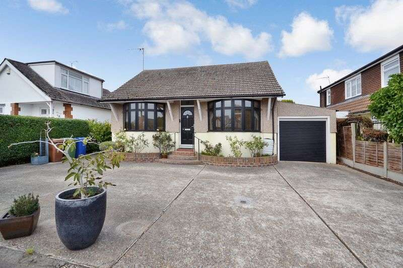 2 Bedrooms Detached Bungalow for sale in Oxford Road, Stanford-Le-Hope