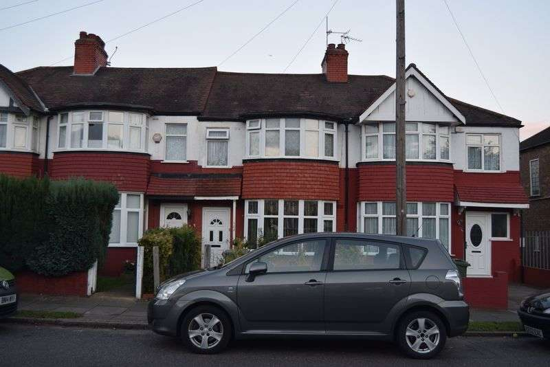 3 Bedrooms Terraced House for sale in 3 bedroom house, Lancelot Road, Wembley