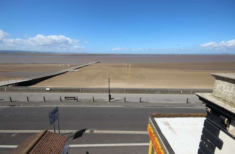 1 Bedroom Flat for sale in Sea Front Apartment, Burnham-On-Sea