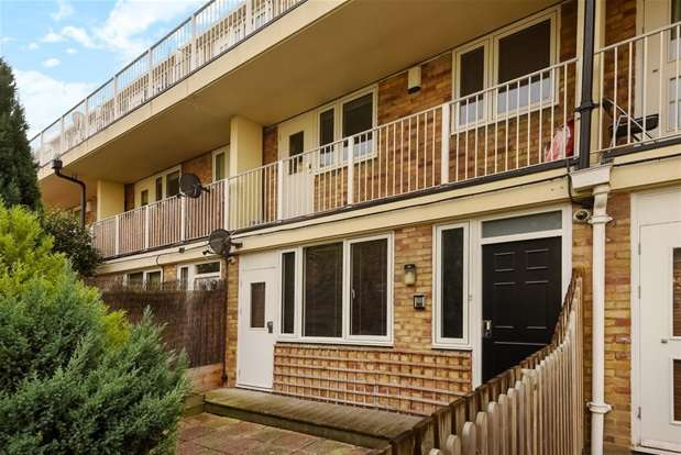2 Bedrooms Maisonette Flat for sale in Woolstaplers Way, London