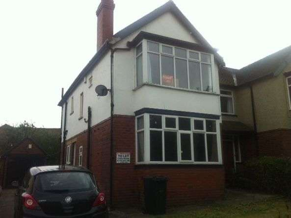 5 Bedrooms Semi Detached House for rent in St. Annes Road, Leeds, LS6