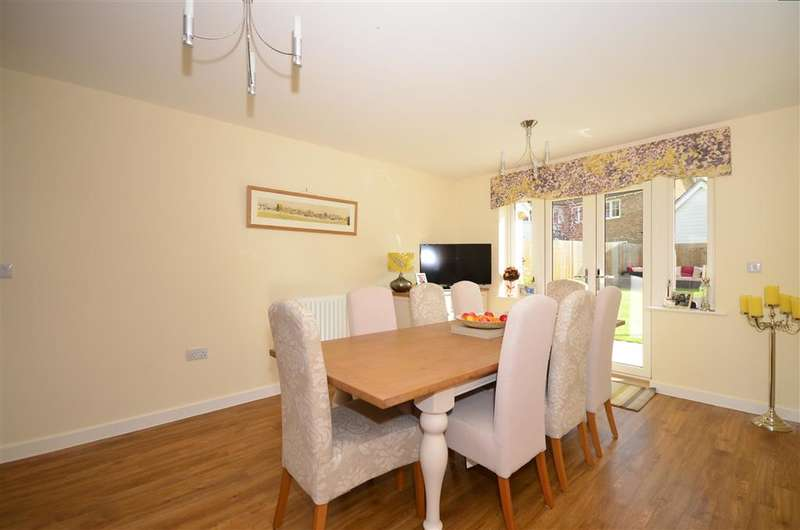 4 Bedrooms Detached House for sale in Boxfield Close, Harrietsham, Maidstone, Kent