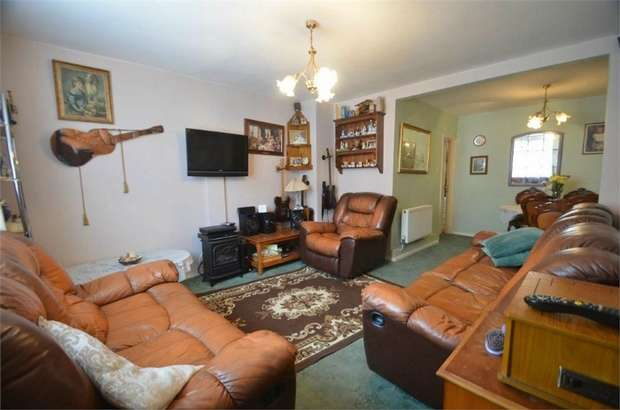 4 Bedrooms Terraced House for sale in Littlefield Road, Edgware, London, Middlesex