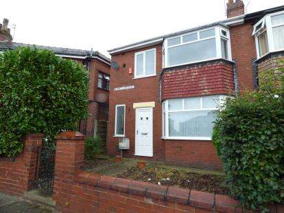 3 Bedrooms Semi Detached House for sale in Werneth Crescent, Oldham, Greater Manchester