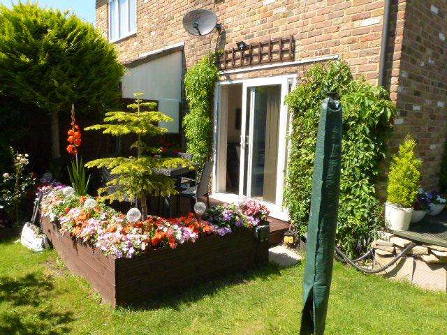 1 Bedroom Terraced House for sale in Russell Gardens, Sipson, West Drayton, UB7 0LR