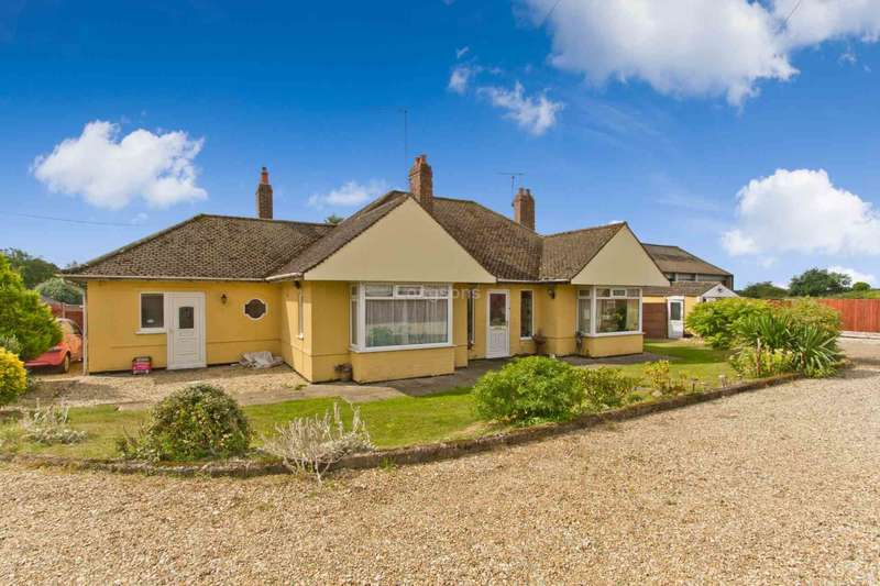 4 Bedrooms Detached Bungalow for sale in Bungalow & Commercial Workshops, 2 Tuns Road, Swaffham