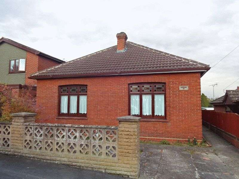 2 Bedrooms Detached Bungalow for sale in Lea Bank Avenue, Kidderminster DY11 6PD