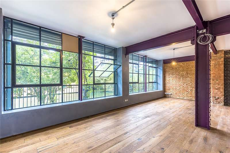3 Bedrooms Flat for sale in Morris Road, London, E14