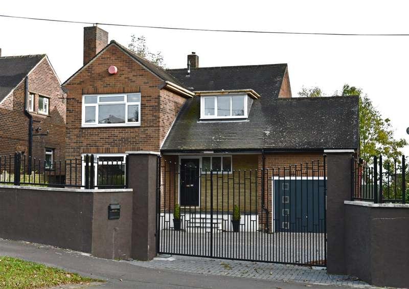 4 Bedrooms Detached House for sale in Bradford Road, Huddersfield, HD2 2JR