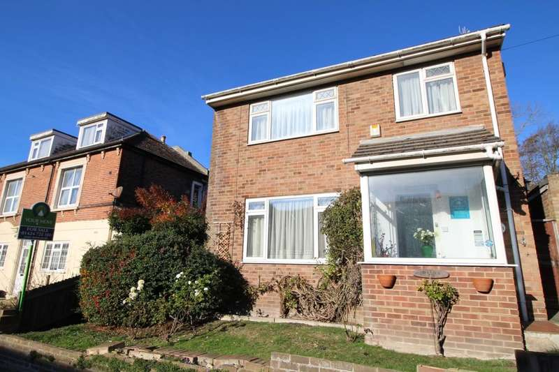 3 Bedrooms Detached House for sale in Harold Road, Hastings, TN35