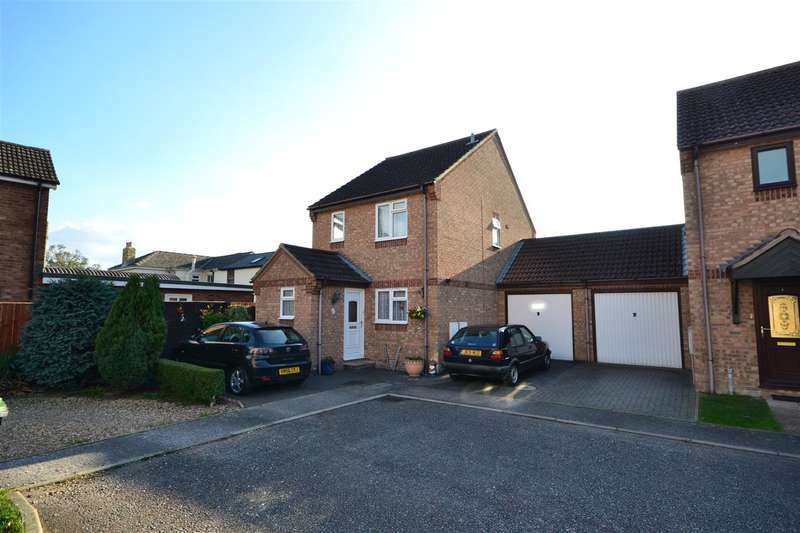 3 Bedrooms Detached House for sale in Old School Close, Soham