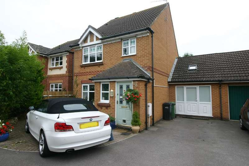 4 Bedrooms House for sale in Tutor Close, Hamble, Southampton, SO31 4RU