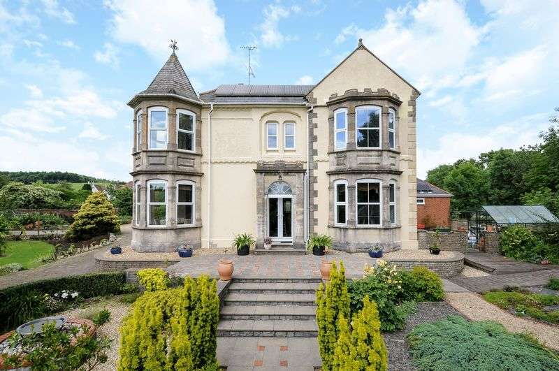 5 Bedrooms Detached House for sale in Enchanting family house & annexe, bed & breakfast or possible flats