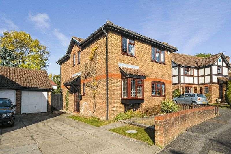 4 Bedrooms Property for sale in Burns Drive, Nork, Banstead