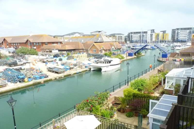 4 Bedrooms Property for sale in Madeira Way, Eastbourne, BN23
