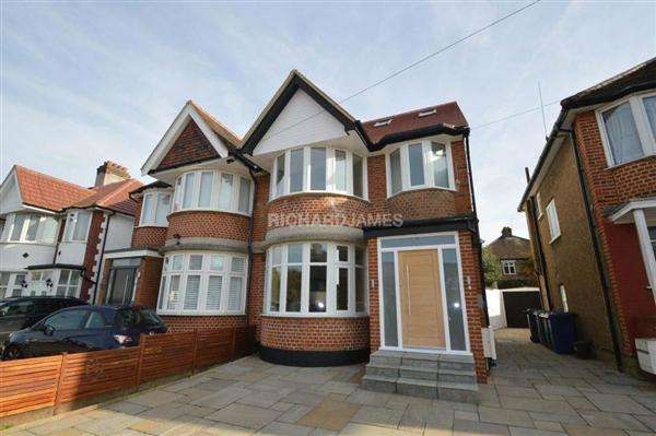 4 Bedrooms Semi Detached House for sale in Hale Drive, London