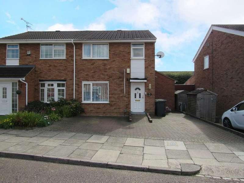3 Bedrooms Semi Detached House for sale in Ventnor Gardens, Luton, Bedfordshire, LU3 3SW