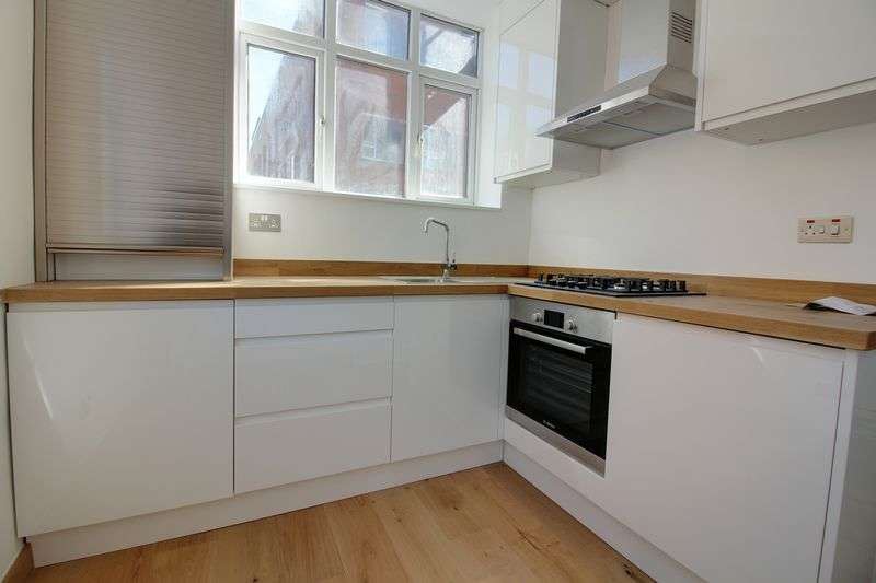 1 Bedroom Flat for sale in Well Street, London