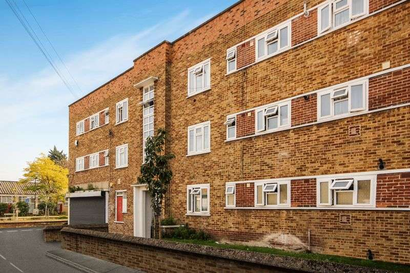3 Bedrooms Flat for sale in Scales Road, N17 9HA