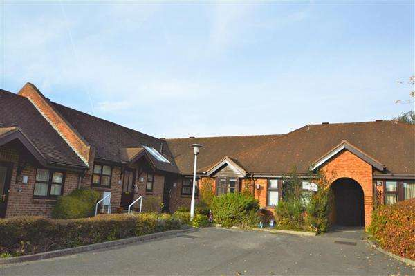 2 Bedrooms Bungalow for sale in Woodleigh, Nottingham
