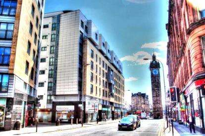 2 Bedrooms Flat for sale in High Street, Glasgow Cross
