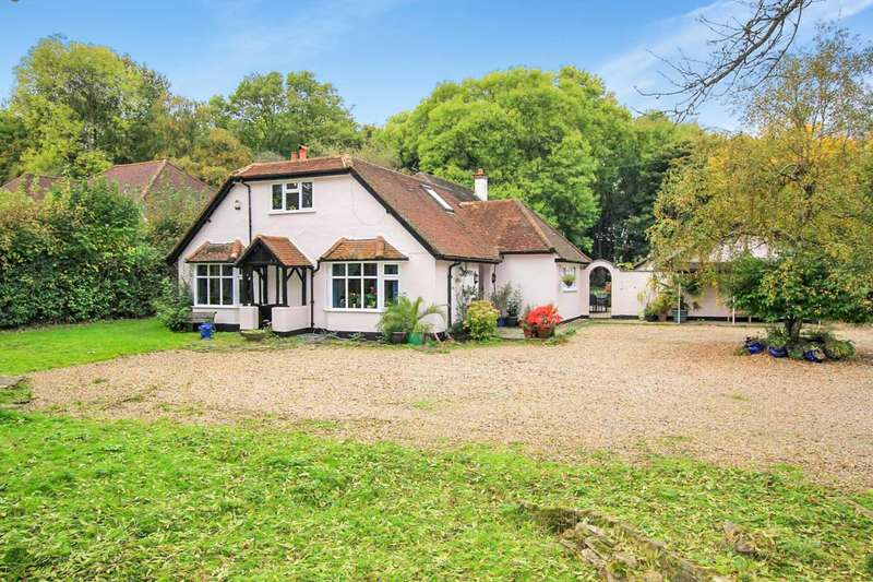 5 Bedrooms House for sale in Hempstead Road, Bovingdon