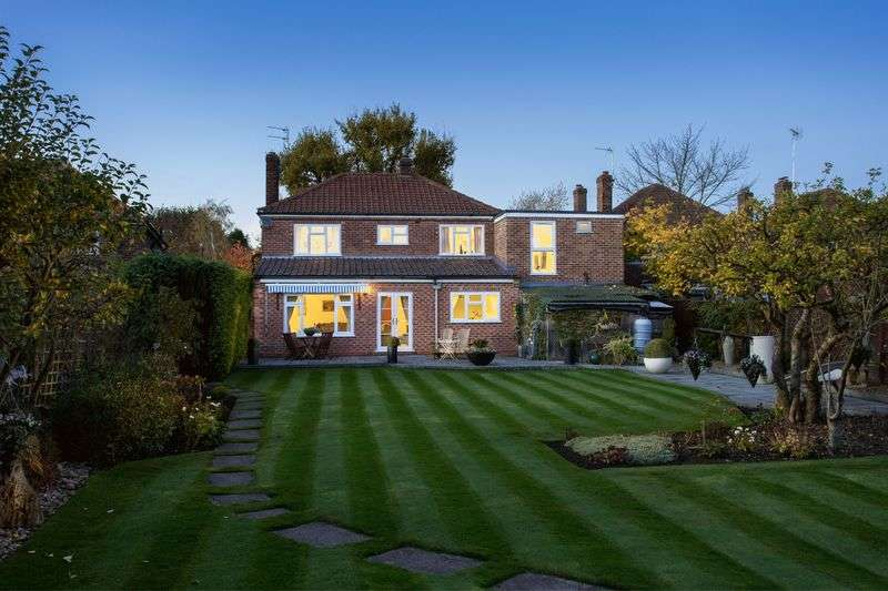 4 Bedrooms Detached House for sale in 63 The Avenue, york