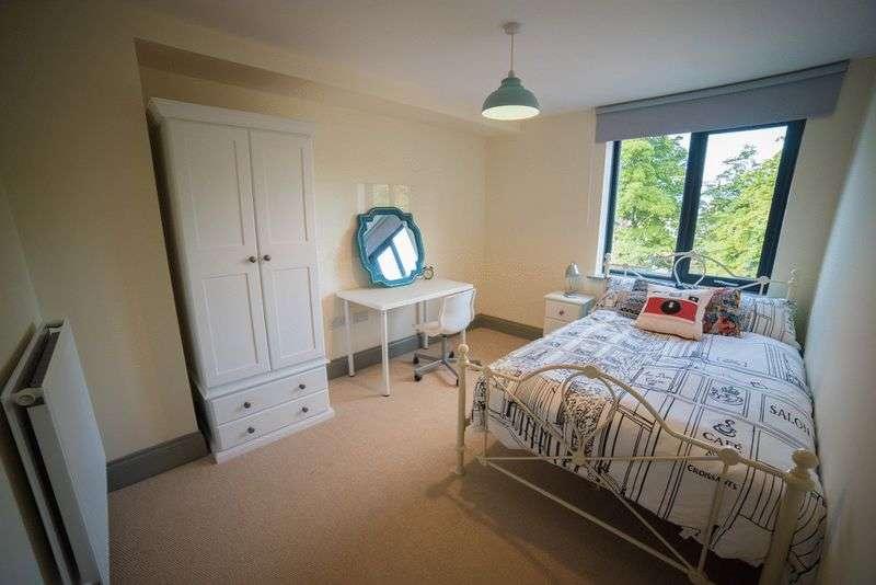 6 Bedrooms Flat for rent in Headingley, Leeds