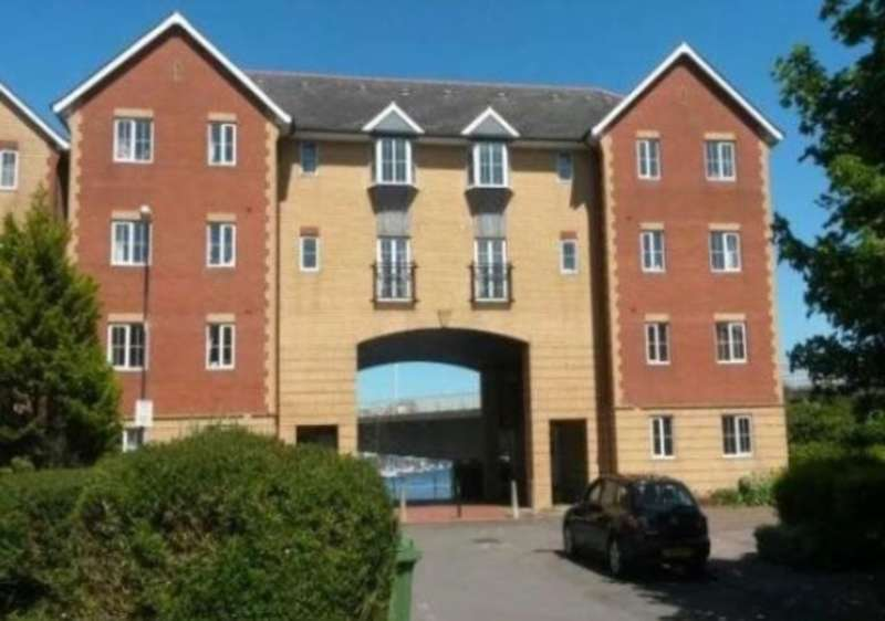 2 Bedrooms Ground Flat for sale in Campbell Drive, Cardiff