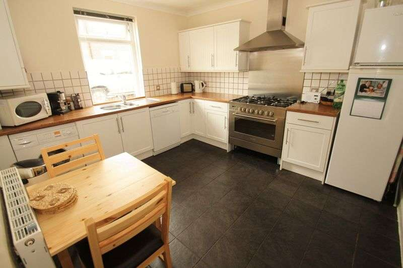 5 Bedrooms Semi Detached House for rent in Victoria Place, Bournemouth