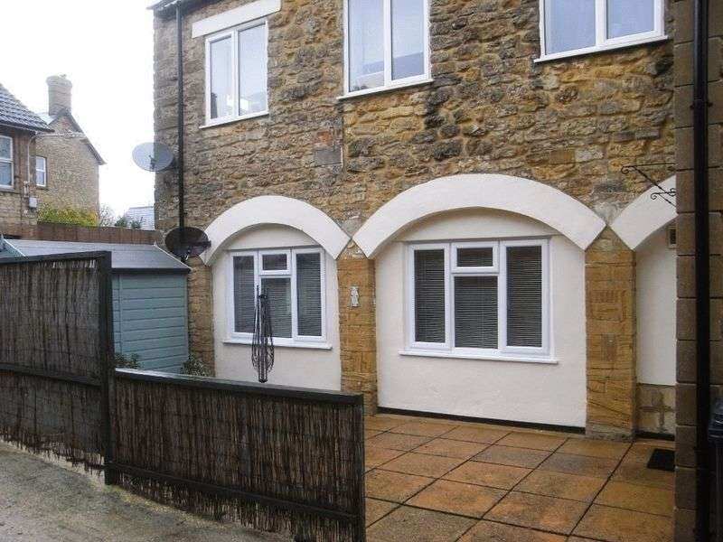 2 Bedrooms Flat for sale in Hermitage Street, Crewkerne