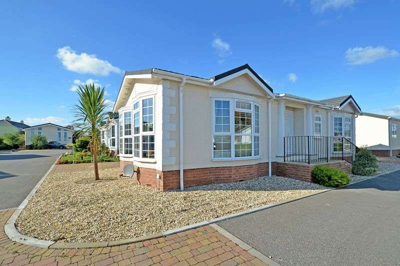 2 Bedrooms Retirement Property for sale in Truro Heights, Truro