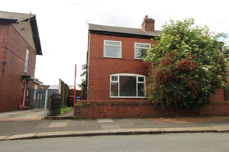3 Bedrooms Semi Detached House for sale in Collyhurst Avenue, Worsley, Manchester, M28