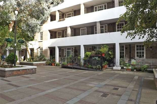 2 Bedrooms Flat for sale in Page Street, London