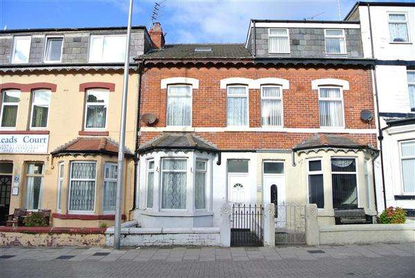 8 Bedrooms Hotel Commercial for sale in Reads Avenue, Blackpool