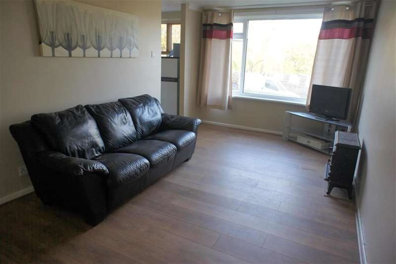 1 Bedroom Ground Flat for sale in The Greenway, Deepcar, Sheffield, S36 2UA