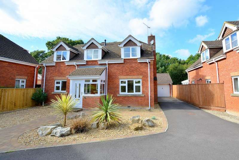 4 Bedrooms House for sale in Three Legged Cross