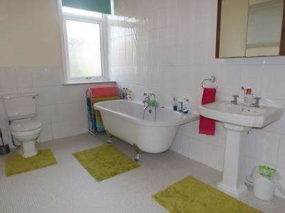 3 Bedrooms Terraced House for sale in Clarke Street, Rishton, Blackburn, Lancashire