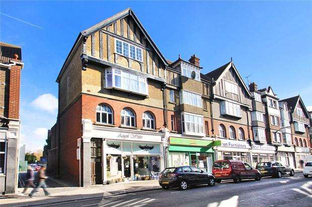 1 Bedroom Apartment Flat for sale in Beach Road, Littlehampton, West Sussex, BN17