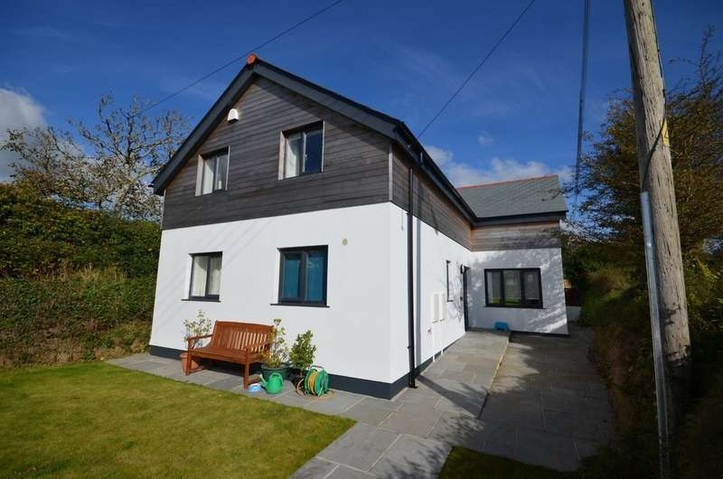 4 Bedrooms Detached House for sale in Old Carnon Hill, Carnon Downs