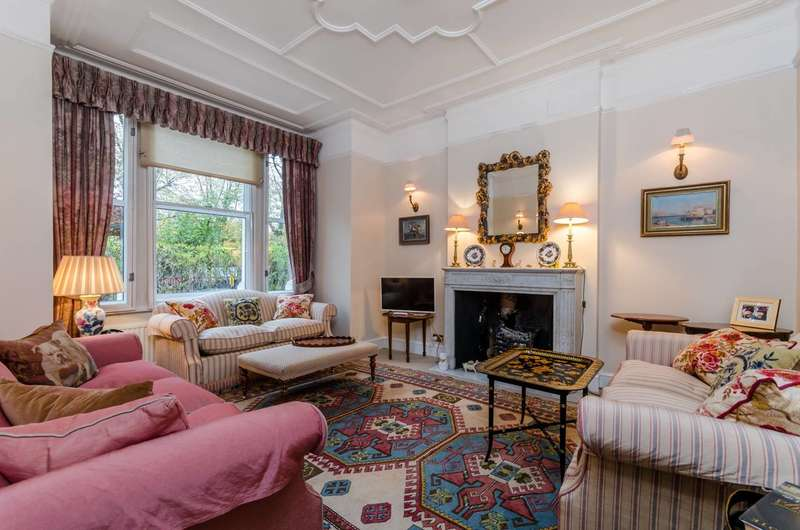 2 Bedrooms Flat for sale in Fulham Palace Road, Bishop's Park, SW6