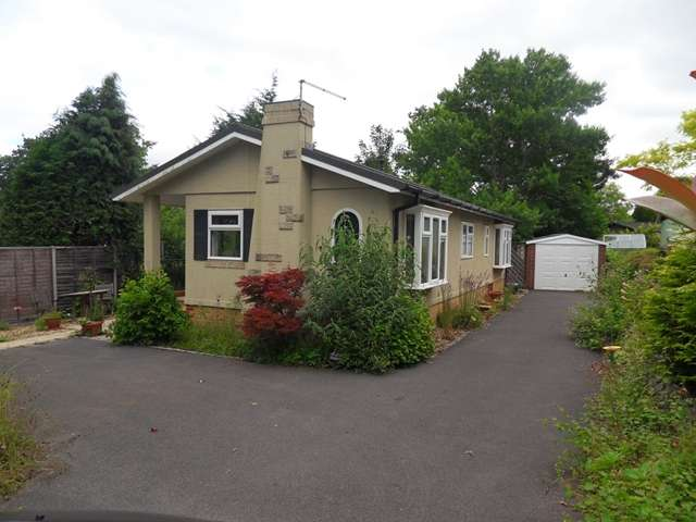 2 Bedrooms Park Home Mobile Home for sale in The Larches, Warfield Park, Warfield