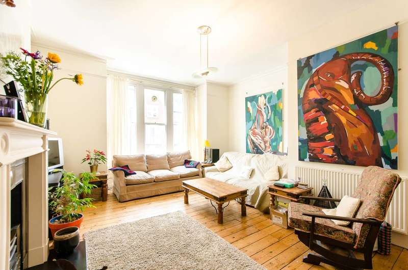 2 Bedrooms Flat for sale in Drakefield Road, Heaver Estate, SW17