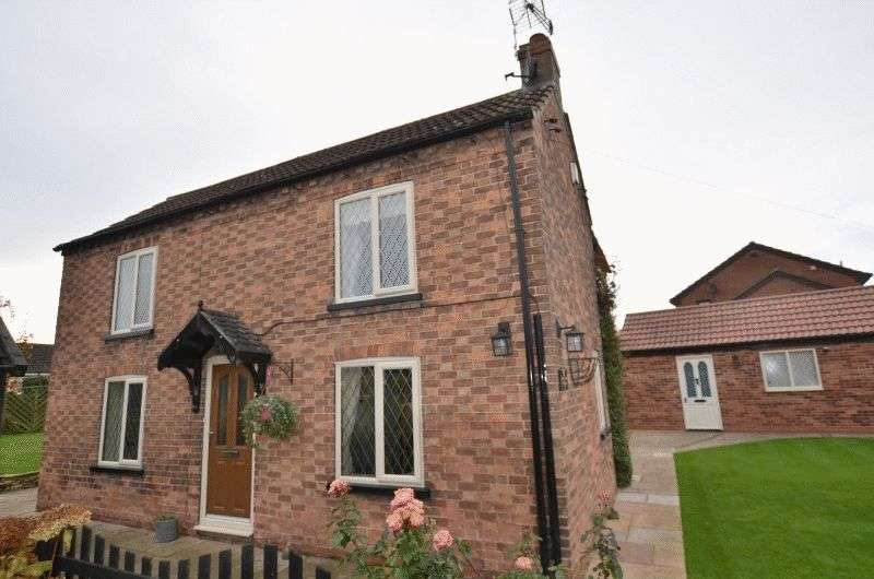 3 Bedrooms Detached House for sale in High Street, Scotter, Gainsborough
