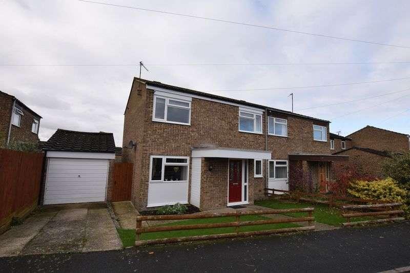 3 Bedrooms Semi Detached House for sale in Hampden Road, Stoke Mandeville
